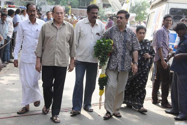 Y G Mahendra paid homage to K Balachander